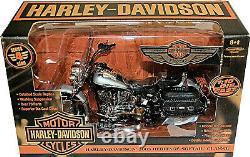 Harley Davidson 2003 Heritage Softail Classique 100 Year Harley 110 Ertl 36941