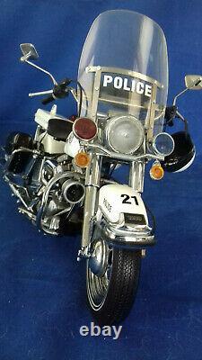 MODELE REDUIT HARLEY DAVIDSON POLICE au 1/10 FRANKLIN MINT
