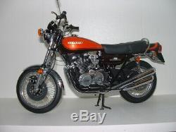 Modèle réduit moto 1/6ème KAWASAKI Z2 750 RS