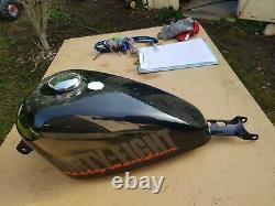 Réservoir Moto Harley Davidson 48 Trace rayures livraison inclus 280e 8 litres